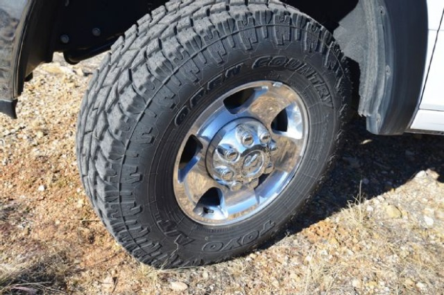 toyo-open-country-at2-tires--2--front-three-quarter.jpg