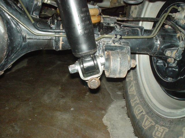 Lower Shock Absorber rotating mount