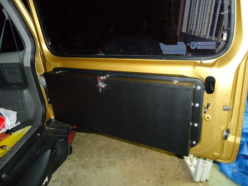 tailgatestorage01.jpg